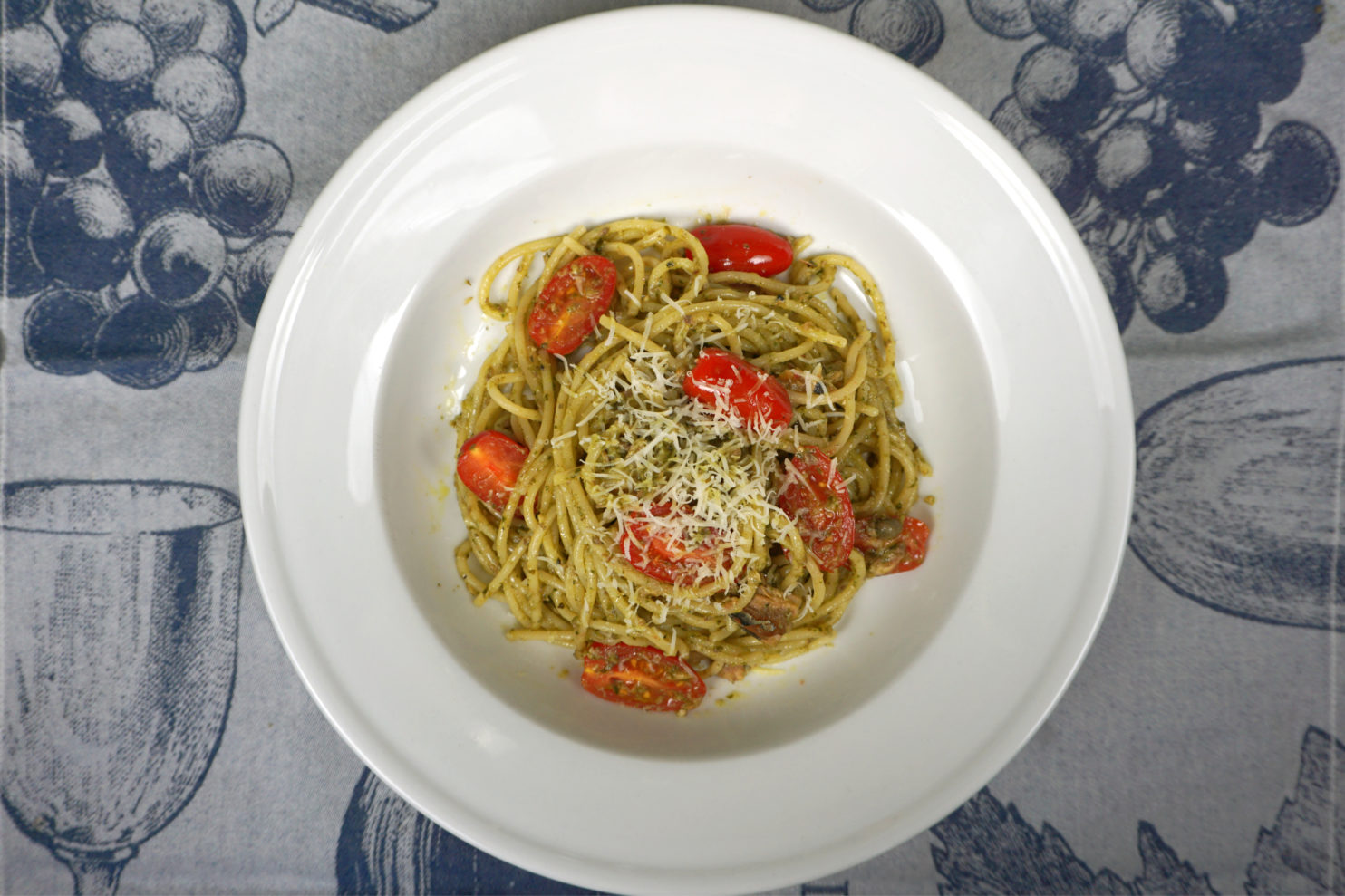 Healthy pasta dish with pesto
